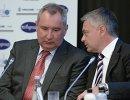 Заместитель председателя правительства РФ Дмитрий Рогозин (слева) и президент Федерации гандбола России Сергей Шишкарев