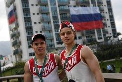 Российские гимнасты Никита Нагорный и Иван Стретович (справа) в Олимпийской деревне