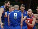 Волейболисты сборной России Сергей Тетюхин (в центре) и Егор Клюка, Алексей Вербов, Максим Михайлов (справа налево)