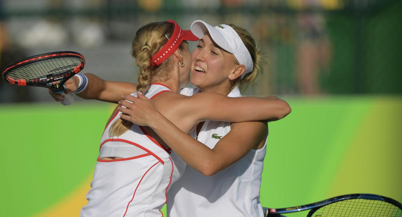 Елена Веснина (справа) и Екатерина Макарова