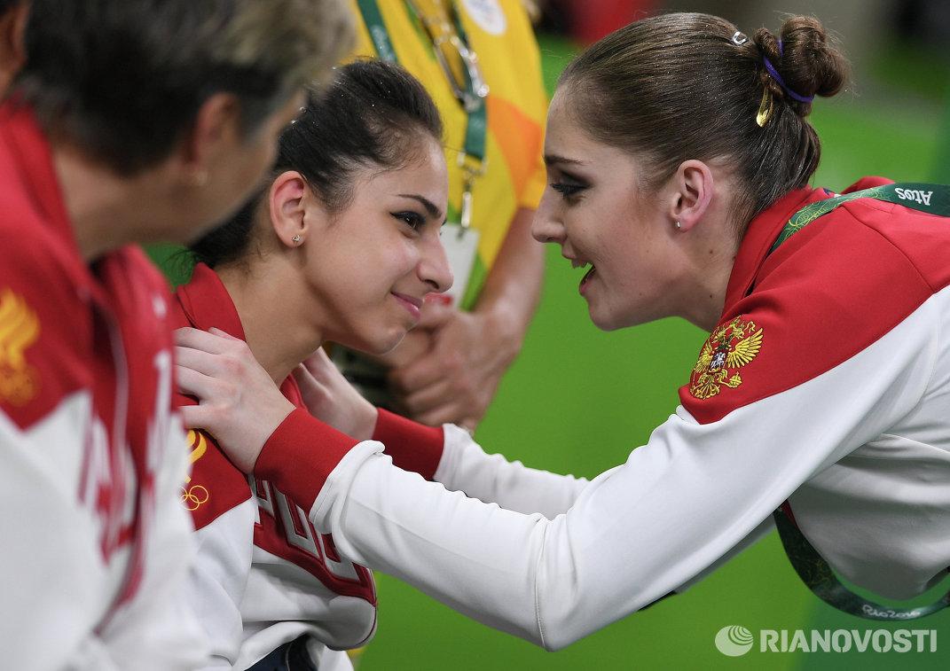 Седа Тутхалян и Алия Мустафина (слева направо)