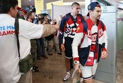 Члены олимпийской сборной России по боксу Артем Чеботарев и Евгений Тищенко (справа налево)