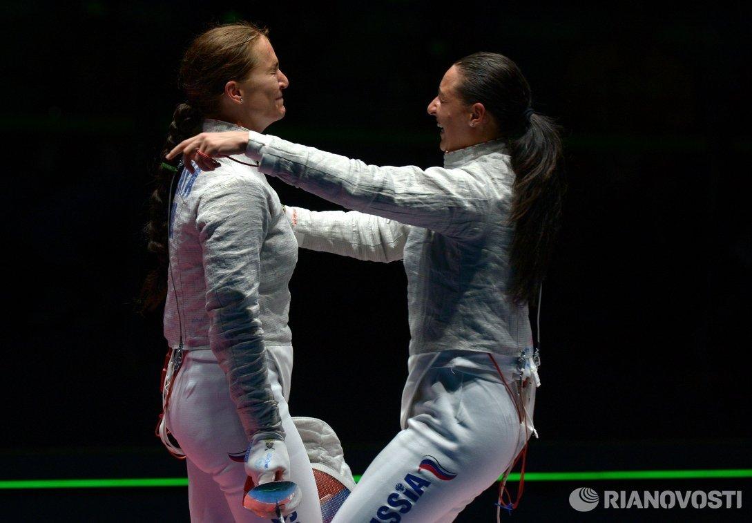 Софья Великая и Яна Егорян (слева направо)