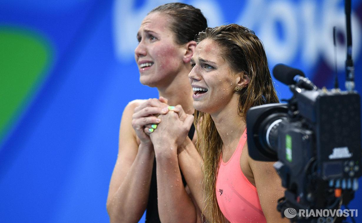 Анастасия Фесикова и Юлия Ефимова (слева направо)