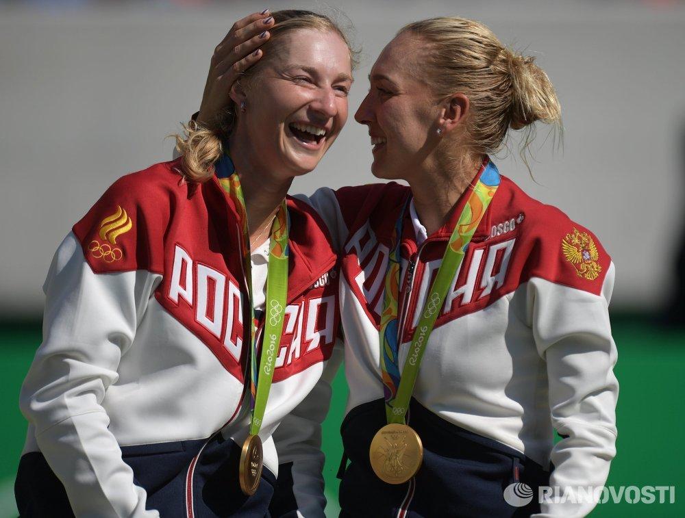Екатерина Макарова (слева) и Елена Веснина