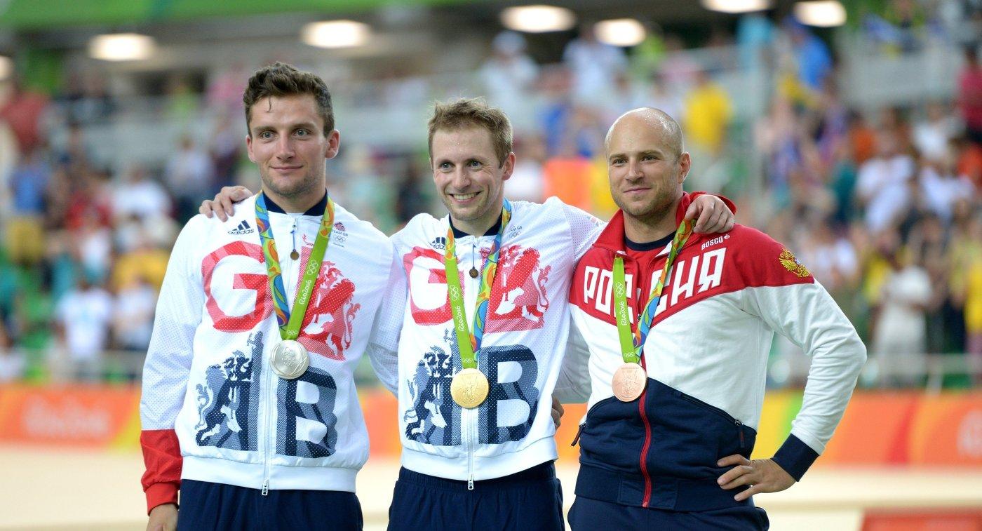Каллум Скиннер (Великобритания), Джейсон Кенни (Великобритания) и Денис Дмитриев (Россия) (слева направо)