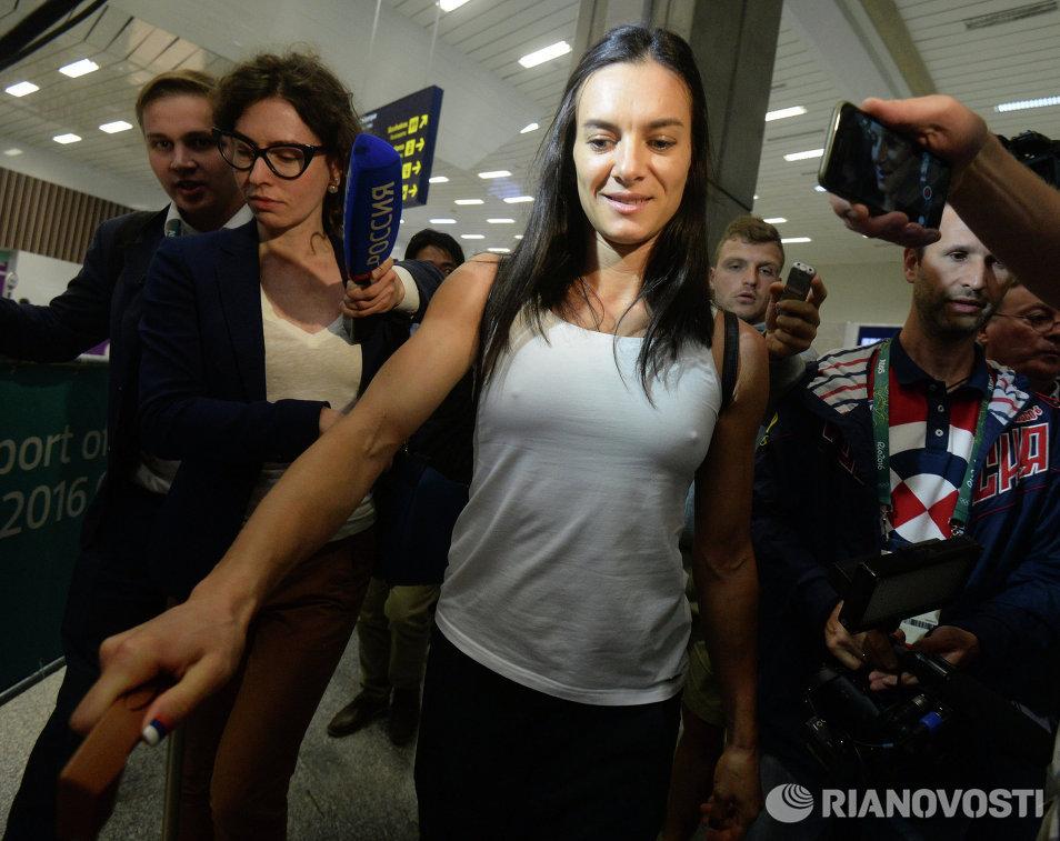 Двукратная олимпийская чемпионка Елена Исинбаева