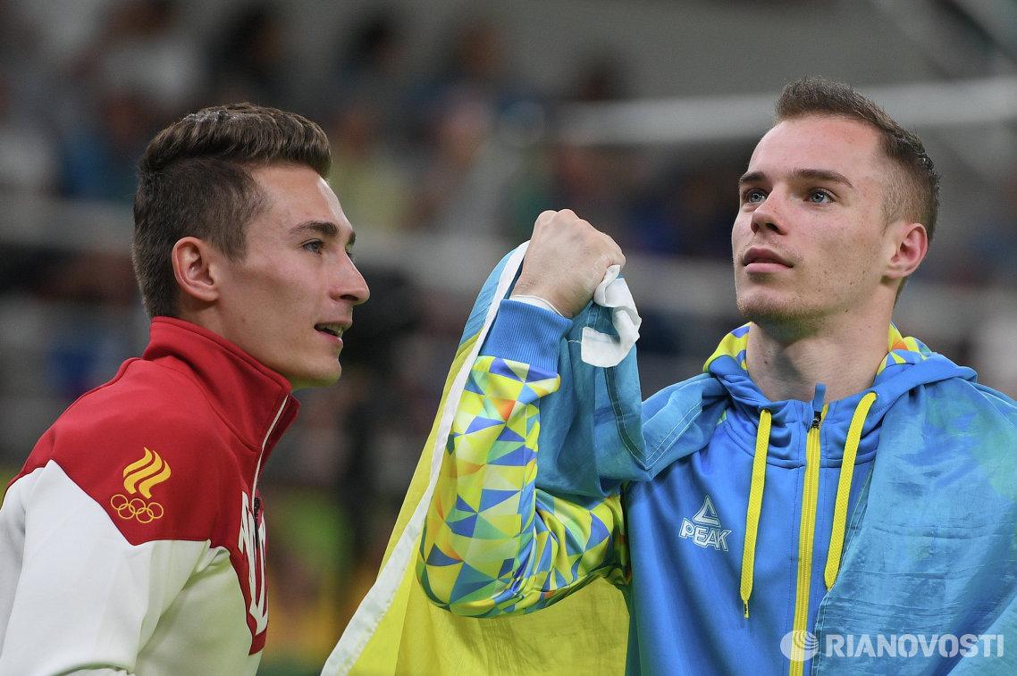 Давид Белявский (слева) и Олег Верняев