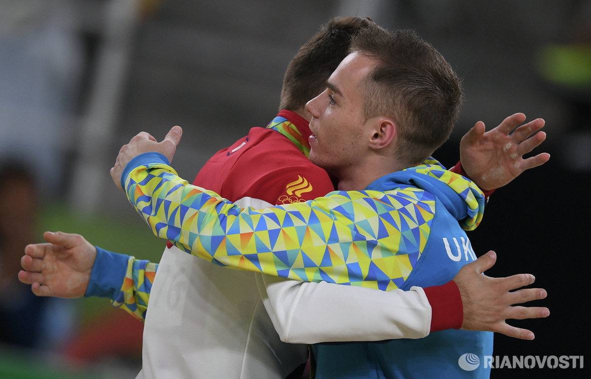 Олег Верняев - золотая медаль, Давид Белявский - бронзовая медаль (слева направо)