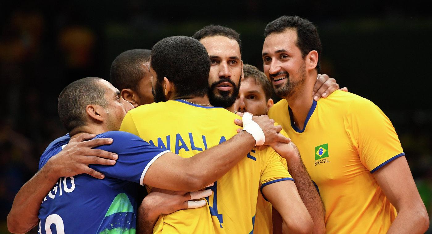 Всемирный кубок чемпионов. Бразилия выиграла уИрана, Франция уступила США, Япония— Италии