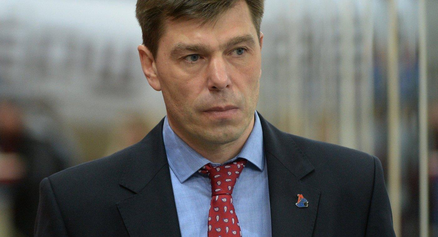 Главный тренер Локомотива Алексей Кудашов