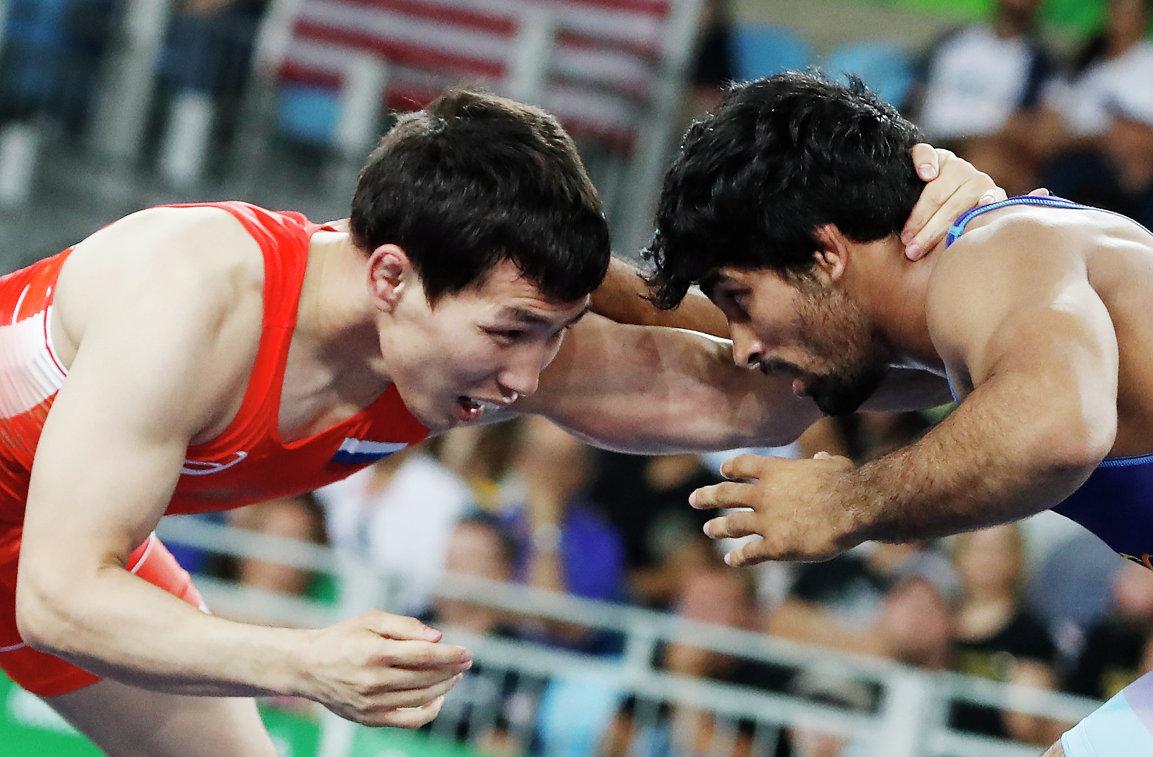Виктор Лебедев (Россия) (слева)