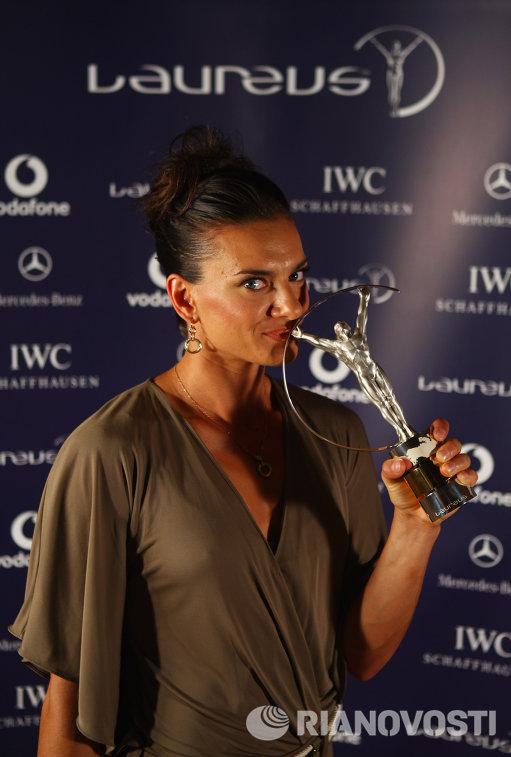 Елена Исинбаева награждена премией Лауреус