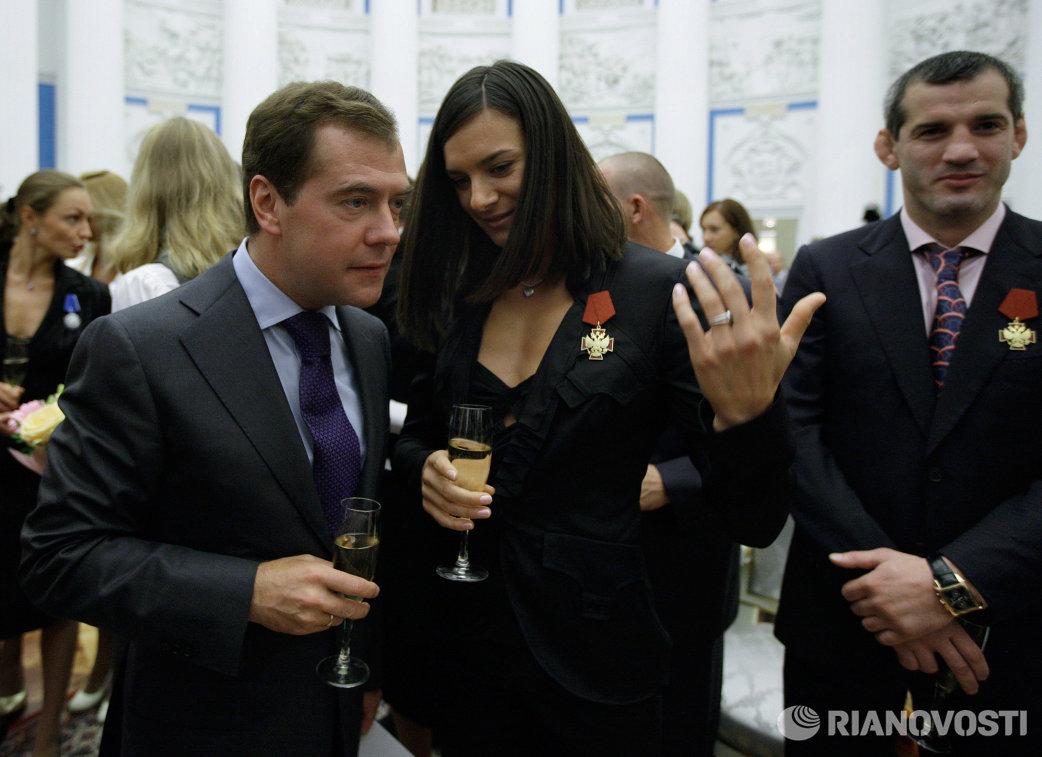 Президент РФ Дмитрий Медведев вручил награды победителям Олимпиады-2008