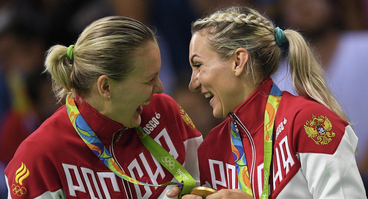 Анна Седойкина и Полина Кузнецова (слева направо)