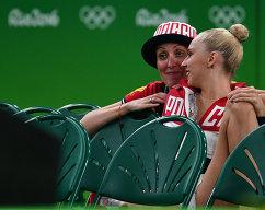 Яна Кудрявцева и Амина Зарипова (слева)