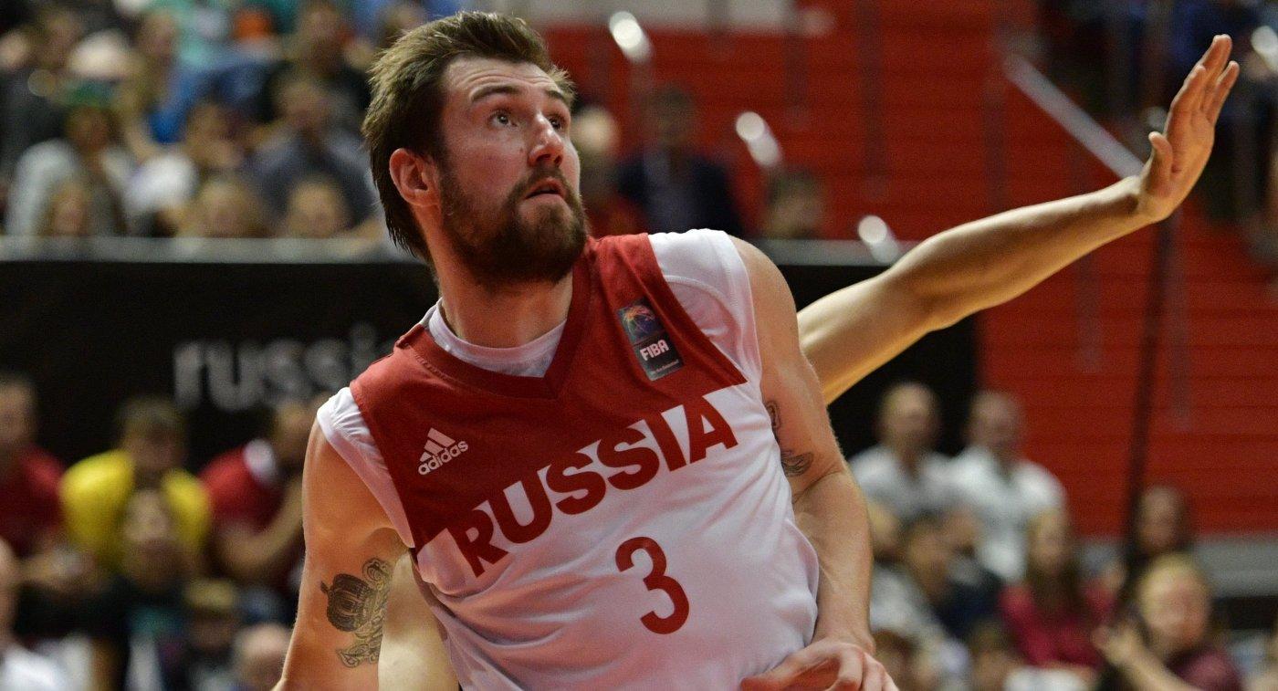 Защитник сборной России Сергей Карасев