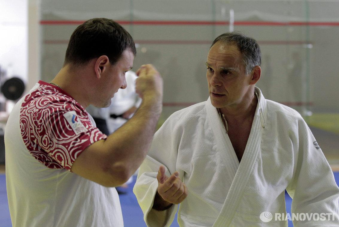 Эцио Гамба (справа)