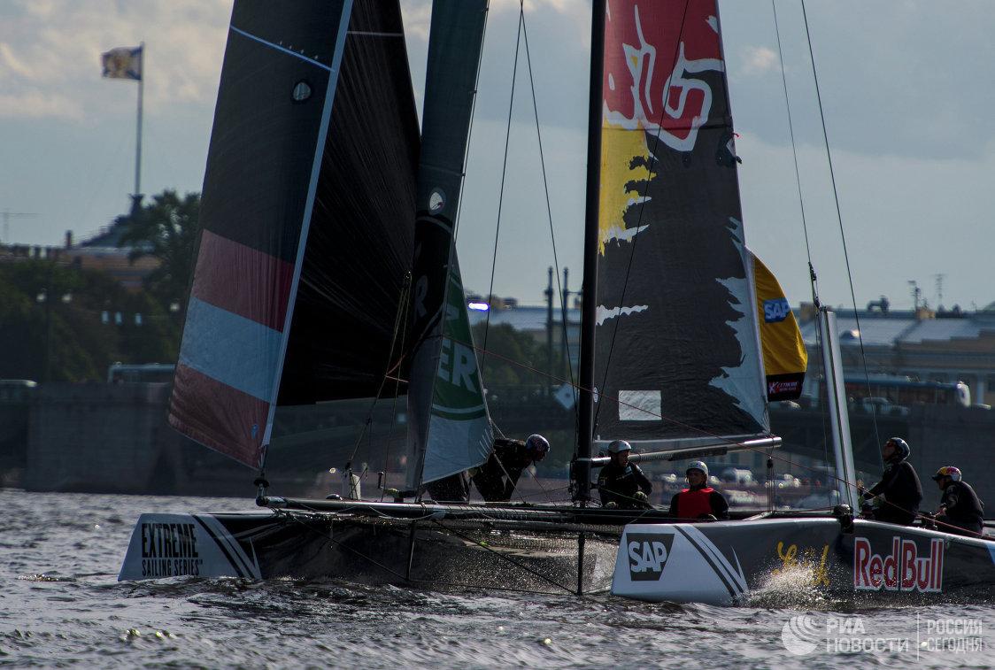Парусная регата Extreme Sailing Series в Санкт-Петербурге