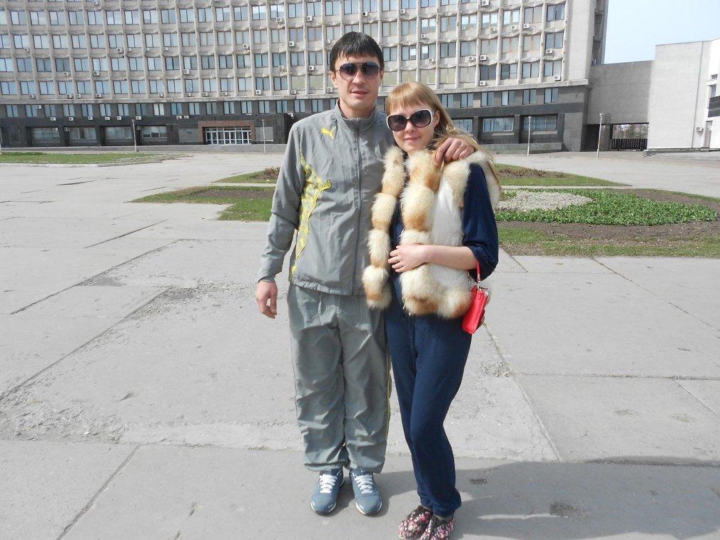 Бывший футболист московского Спартака Артем Безродный с женой