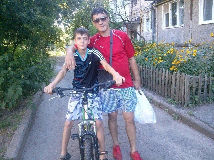 Бывший футболист московского Спартака Артем Безродный с сыном