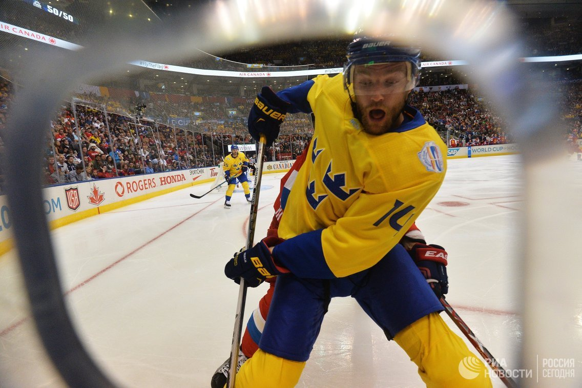 Защитник сборной Швеции Маттиас Экхольм