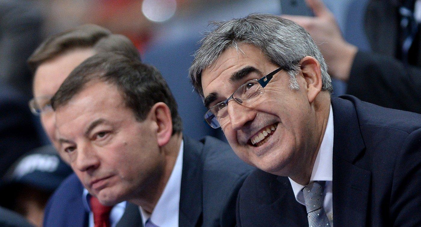 Президент Единой лиги ВТБ Сергей Кущенко (слева) и президент Евролиги Жорди Бертомеу