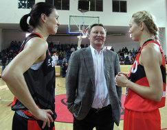 Светлана Абросимова, Сергей Иванов и Илона Корстин (слева направо)
