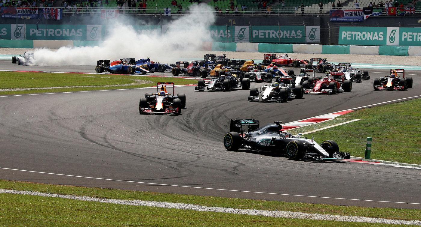 Пилоты во время гонки Гран-при Малайзии