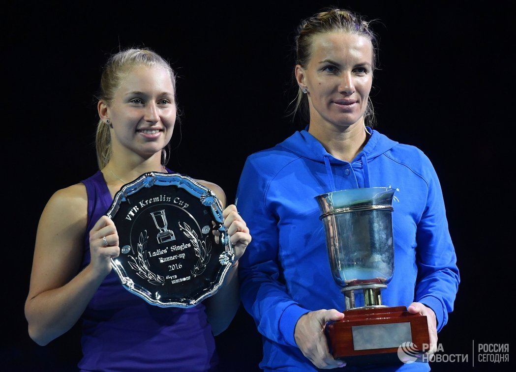 Светлана Кузнецова (Россия) и Дарья Гаврилова (Австралия) (справа налево)