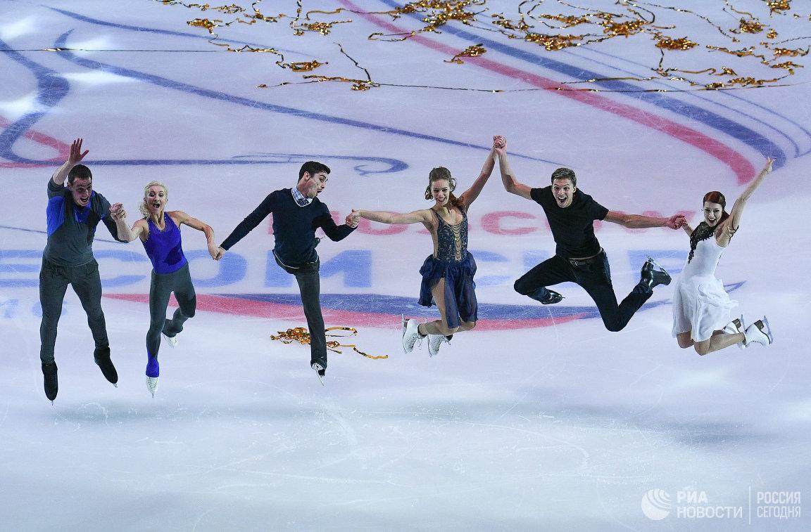 Алена Савченко и Брюно Массо, Хавьер Фернандес, Анна Погорилая, и Екатерина Боброва и Дмитрий Соловьев (слева направо)