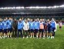 Рамзан Кадыров, главный тренер сборной России Станислав Черчесов, Магомед Даудов (справа налево по центру) и игроки сборной России