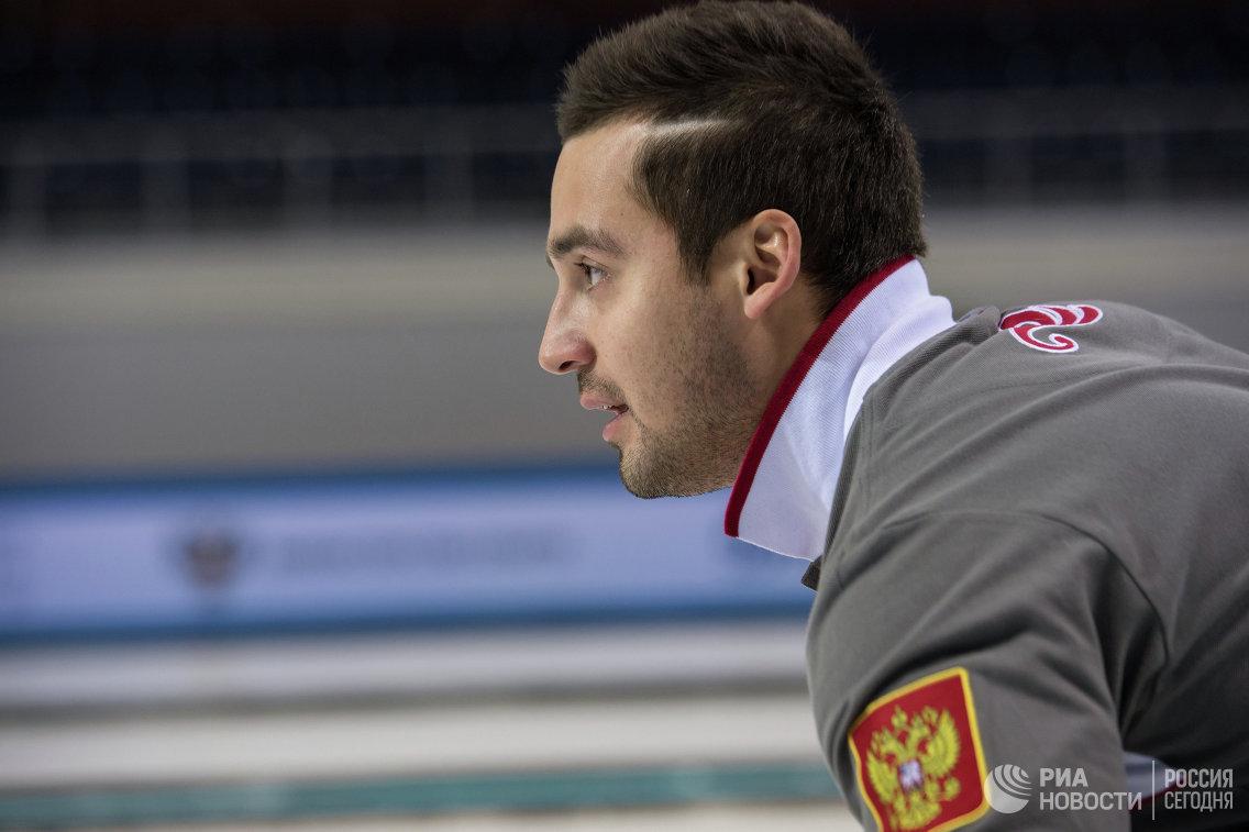 Мужская сборная РФ покерлингу проиграла встартовом матче чемпионата Европы