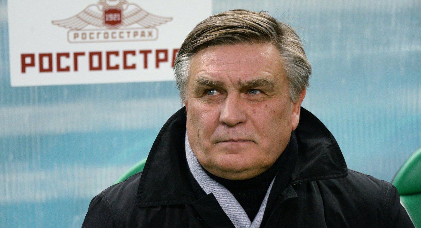 Главный тренер ФК Томь Валерий Петраков