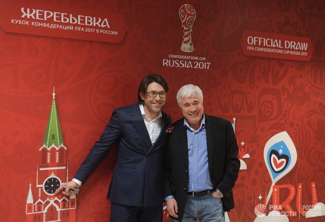 Ведущий Андрей Малахов (слева) и футбольный обозреватель Евгений Ловчев