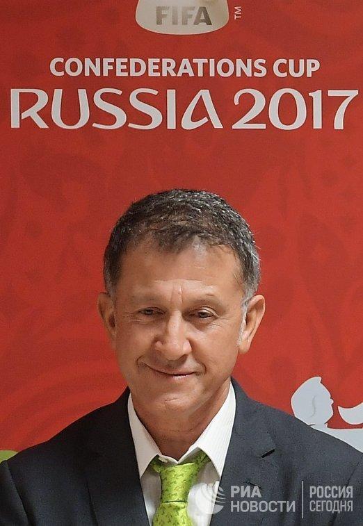 Главный тренер сборной Мексики по футболу Хуан Карлос Осорио