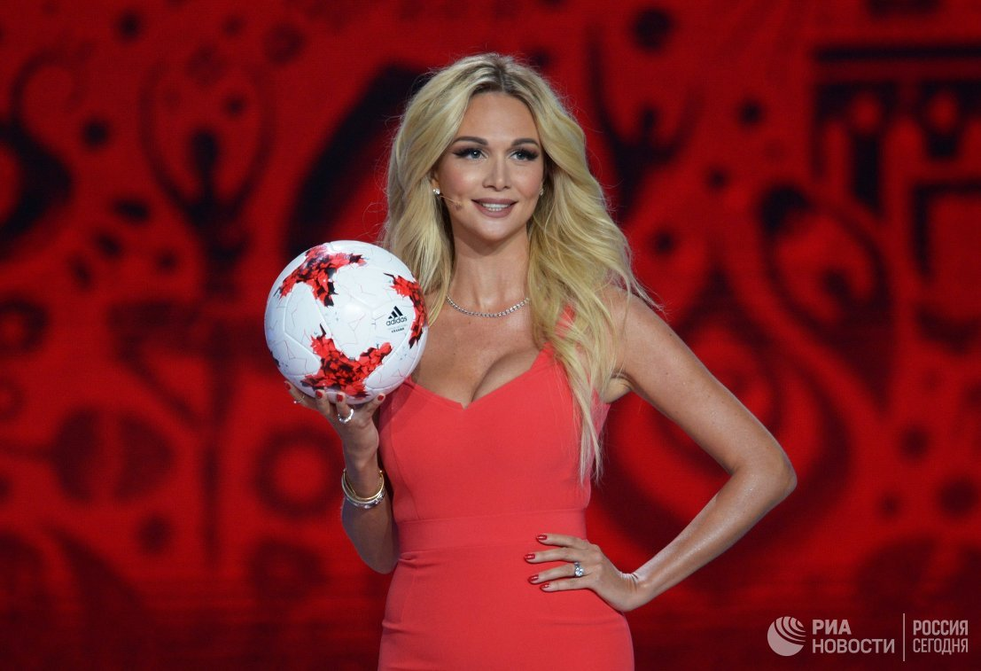 Российская фотомодель и телеведущая Виктория Лопырева
