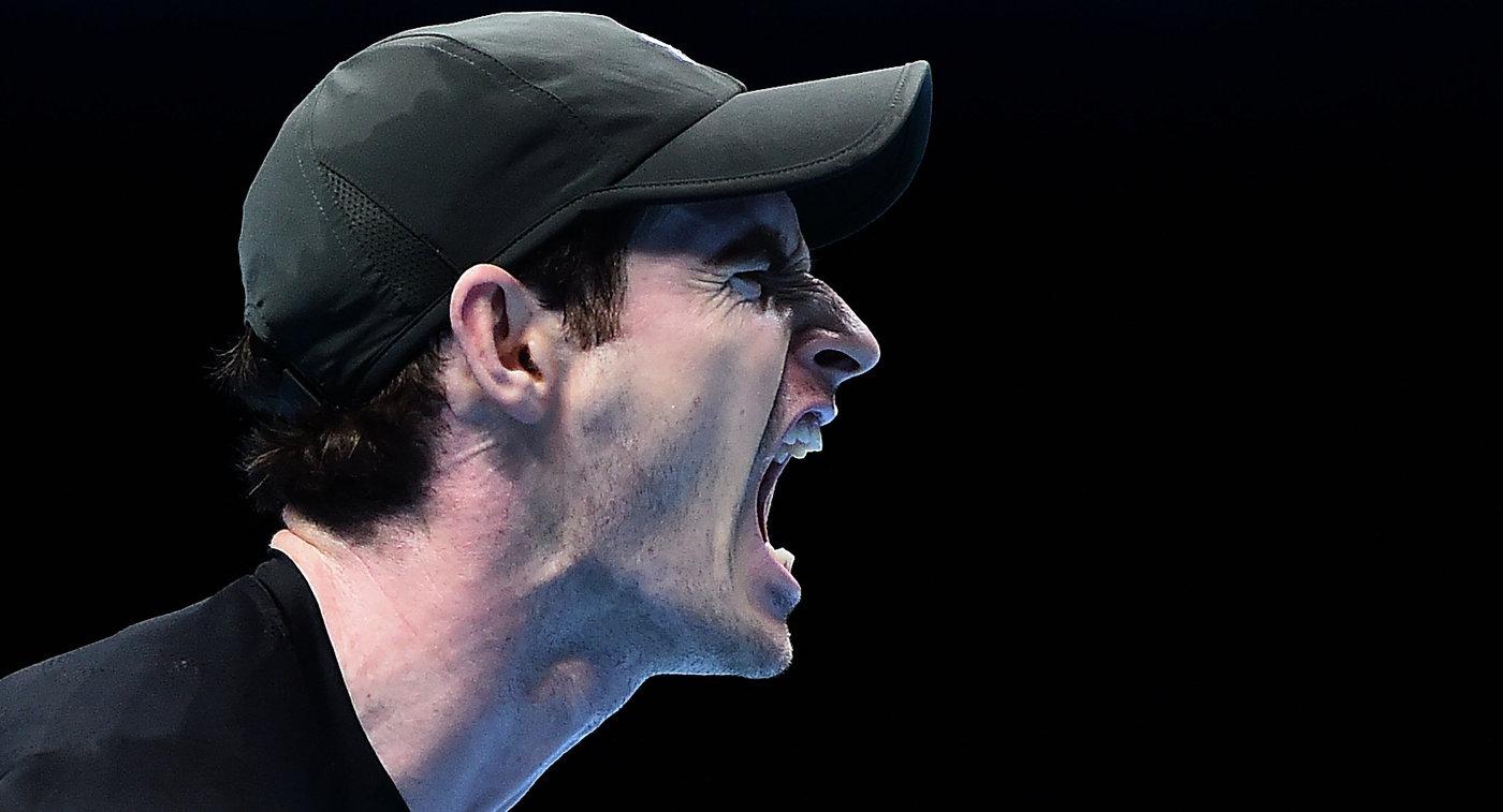 Энди Маррей в матче против Кэя Нисикори на Итоговом турнире ATP в Лондоне