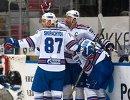 Игроки СКА Вадим Шипачев, Илья Ковальчук и Евгений Дадонов (слева направо)
