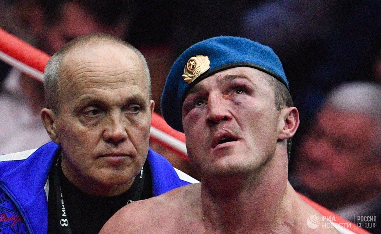 Денис Лебедев (справа)