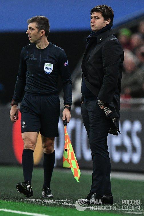 Главный тренер ФК Тоттенхэм Маурисио Почеттино (справа)