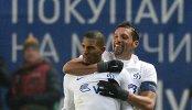 Игроки ФК Динамо Вильям Венкёр и Кевин Кураньи (слева направо)