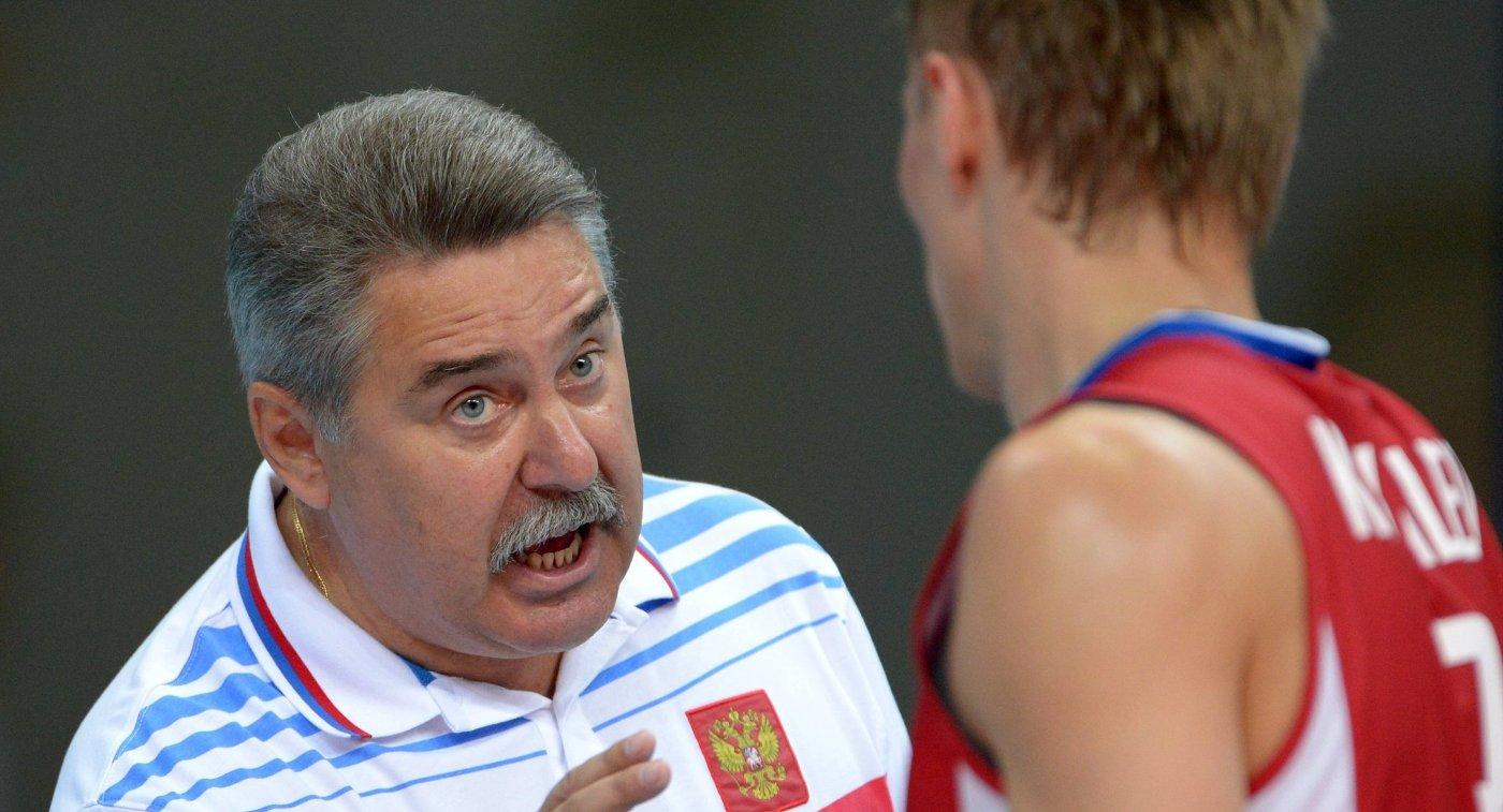 Сергей Шляпников (слева)