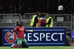 Нападающий Локомотива Байе Умар Ниассе радуется забитому мячу