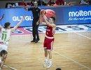 Защитник юношеской сборной России (игроки не старше 18 лет) по баскетболу Григорий Мотовилов (№6)