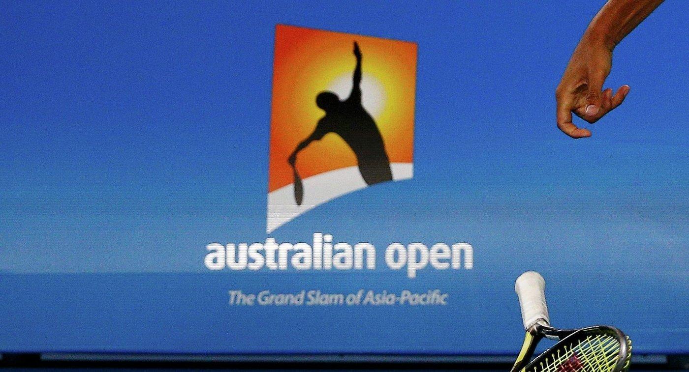 Разбитая ракетка Ника Кириоса в матче первого круга Australian Open