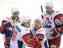 Игрок Локомотива Юнас Холес, Сергей Плотников, Юрий Петров и Стаффан Кронвалль (слева направо)