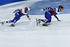 Артем Козлов (справа)