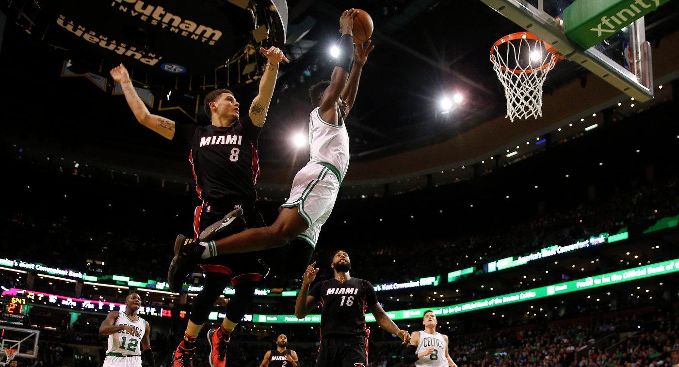 Игровой момент матча НБА Бостон Селтикс - Майами Хит