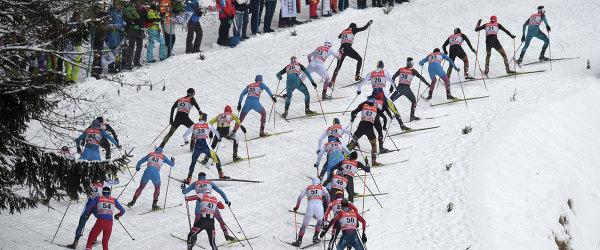 """Лыжники на дистанции гонки преследования в рамках """"Тур де Ски"""""""